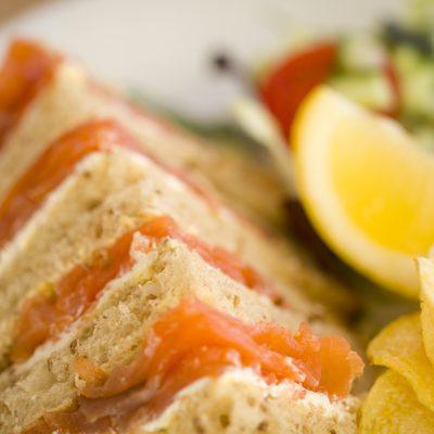 salmon-sandwich